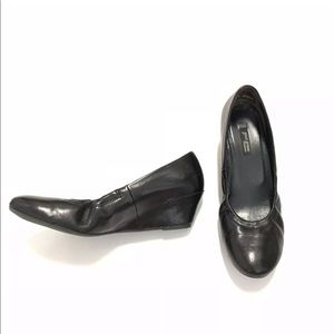 Paul Green Black Leather Pumps